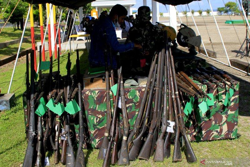 TNI musnahkan 30 pucuk senjata rakitan jenis springfield di Kupang