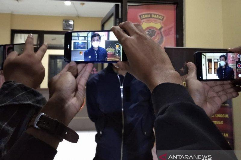 Polisi tangkap mahasiswa yang todongkan