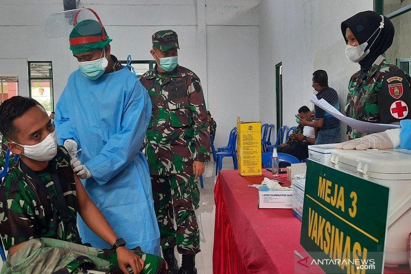 Pakar ULM ingatkan petugas lakukan vaksinasi dengan cara humanis