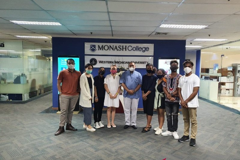 Tujuh pelajar Papua dikirim untuk kuliah di tiga universitas di AS