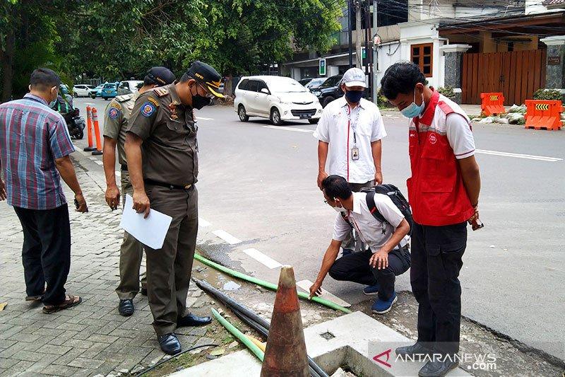 Satpol PP DKI mendata kondisi trotoar di Jaksel untuk pedestrian