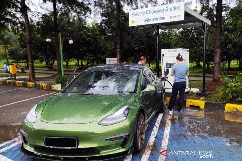 Dukung kendaraan listrik, Jasa Marga hadirkan SPKLU di empat rest area