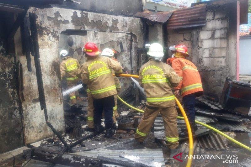 16 unit damkar dikerahkan tangani kebakaran di Cideng Jakpus