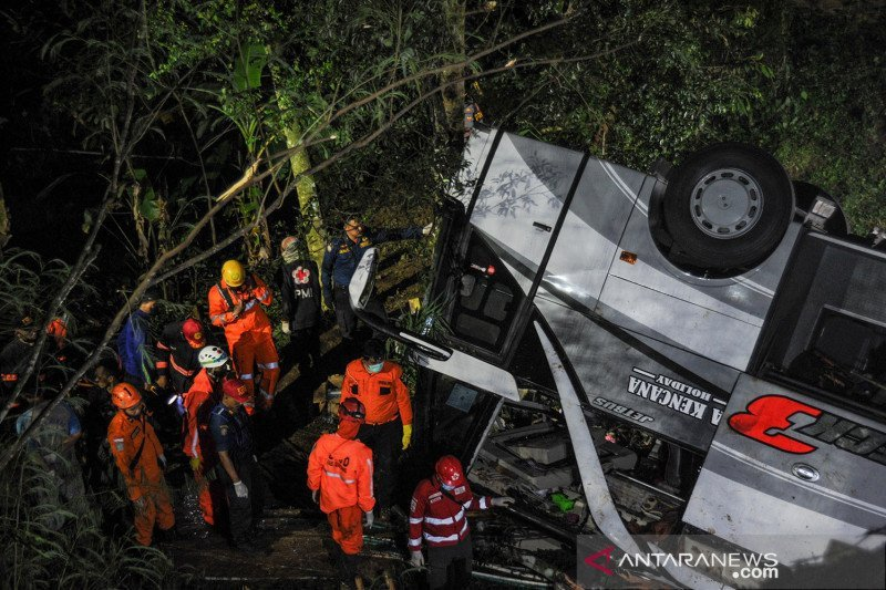 Jasa Raharja serahkan santunan 26 korban kecelakaan bus di Sumedang