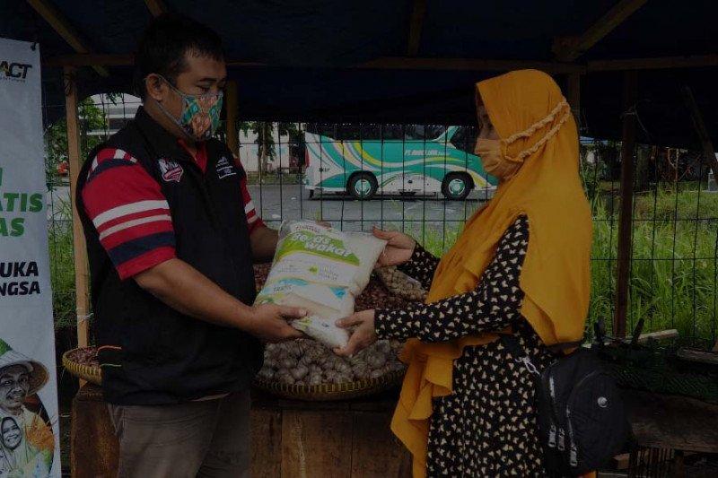 ACT Purwokerto bantu pedagang korban kebakaran Pasar Kota Banjarnegara