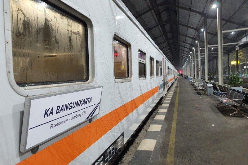 KA Bangunkarta kembali berangkat dari Jombang