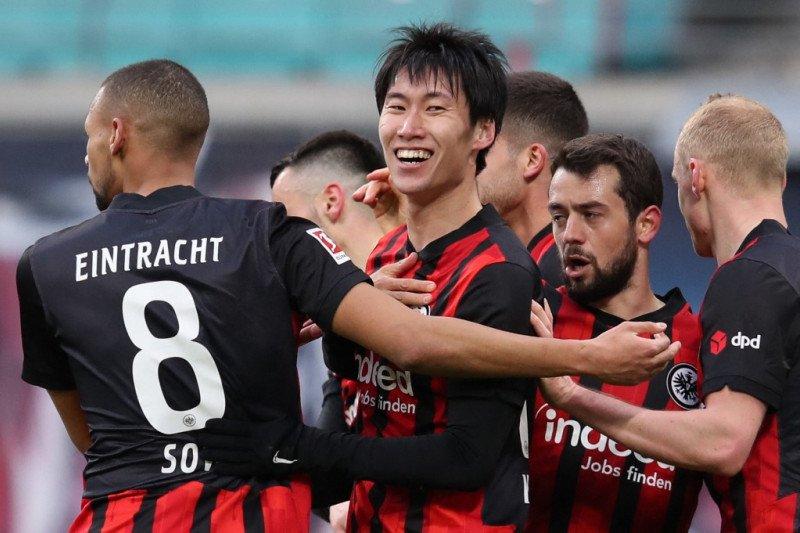 Daichi Kamada mentahkan asa Leipzig juarai liga