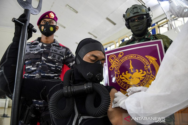Korps Marinir TNI AL gelar edukasi vaksinasi dan protokol kesehatan COVID-19