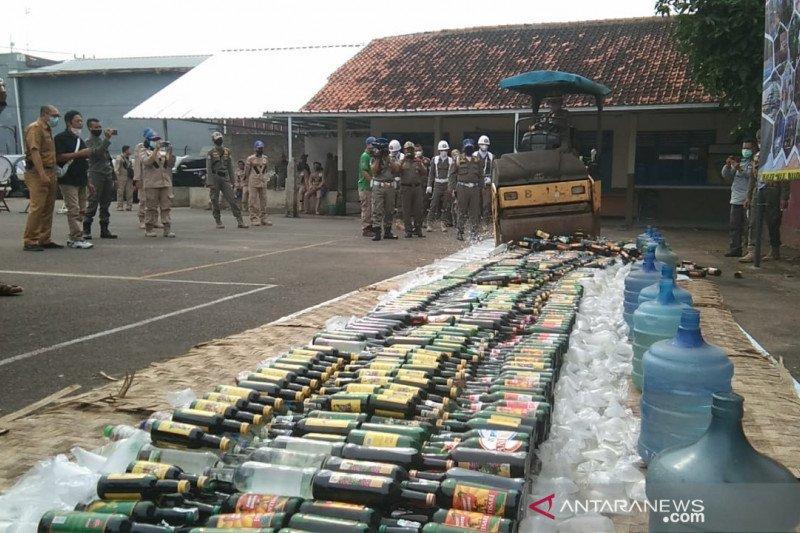 Pemkab Cianjur musnahkan ribuan botol miras dan obat daftar G