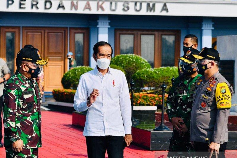 Presiden Jokowi tinjau vaksinasi massal di Gianyar dan Denpasar