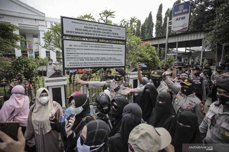 Polres Jaksel kerahkan 300 personel untuk amankan sidang Rizieq Shihab