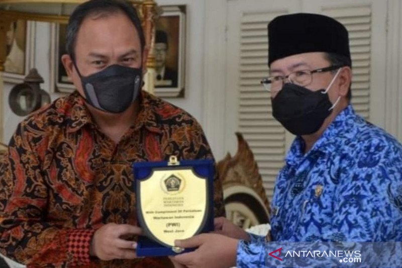 "Wakil Gubernur minta PWI Jabar tertibkan wartawan ""bodrek"""