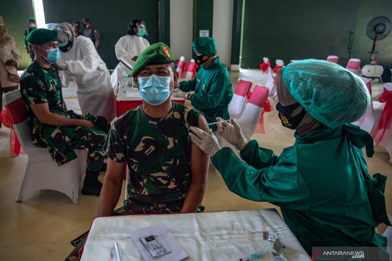 Hoaks corona mereda, misinformasi vaksinasi diembuskan