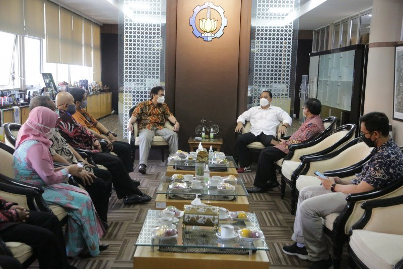 Surabaya siapkan aplikasi penghubung rumah sakit negeri dan swasta