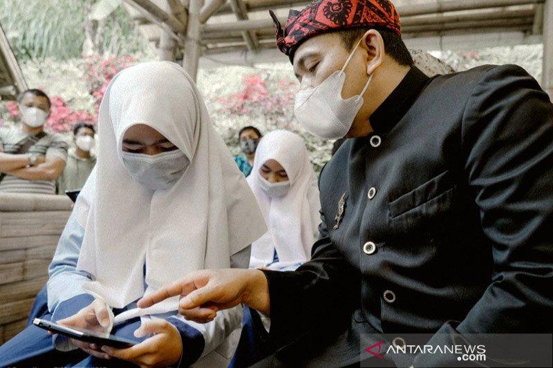 "Disdik Jabar apresiasi PGN bantu tablet ""Smart Learning"" untuk siswa"