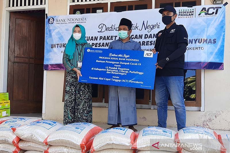 BI-ACT Purwokerto salurkan bantuan paket pangan bagi pesantren