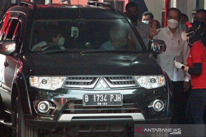 Presiden tinjau vaksinasi COVID-19 'drive thru' di Bogor