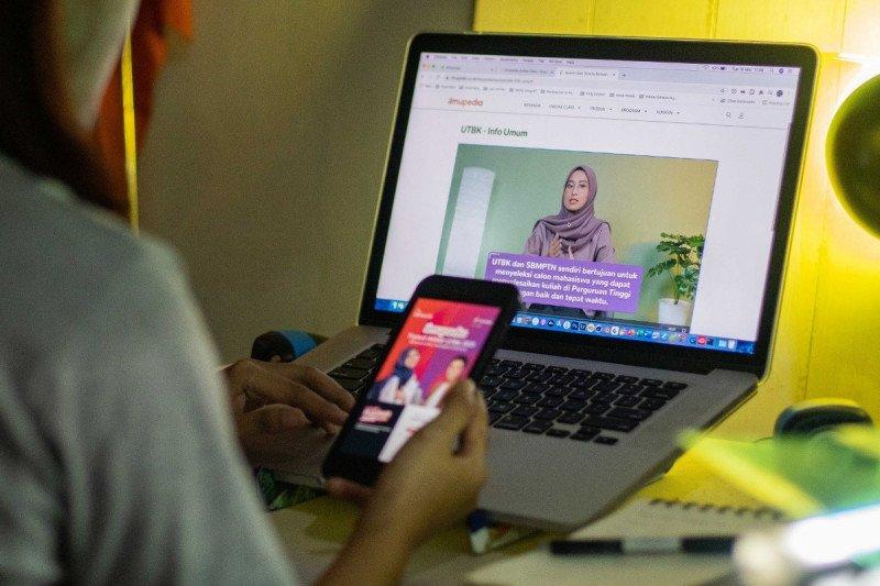 Telkomsel dukung persiapan siswa ikuti SBMPTN
