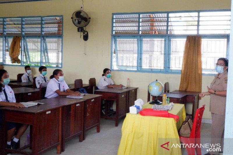 SD-SMP di Timika mulai gelar sekolah tatap muka