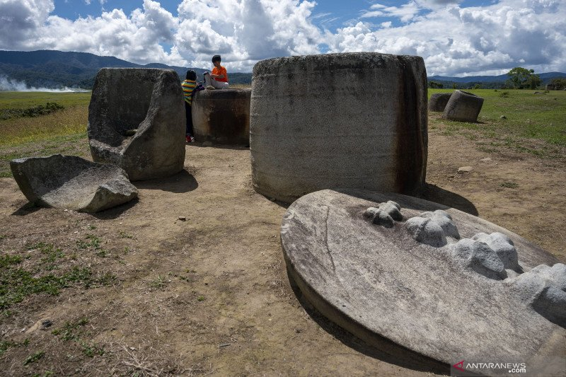Situs Megalit Pokokea di Poso