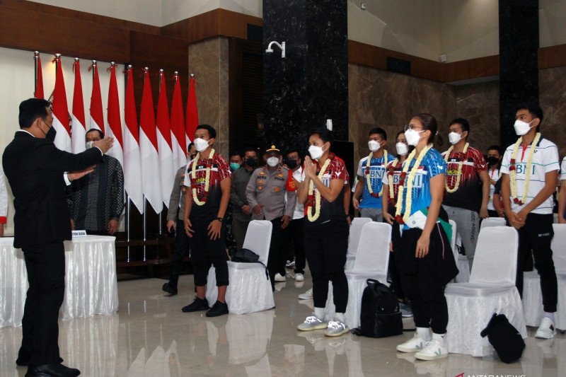 Pebulu tangkis tim All England Indonesia tiba kembali di tanah air