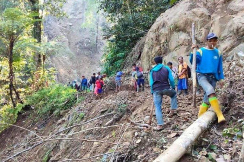 Desa terisolir di Mamuju mulai dilintasi roda dua