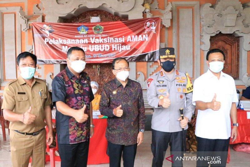 Gubernur Koster perjuangkan vaksinasi 2,8 juta lebih masyarakat Bali