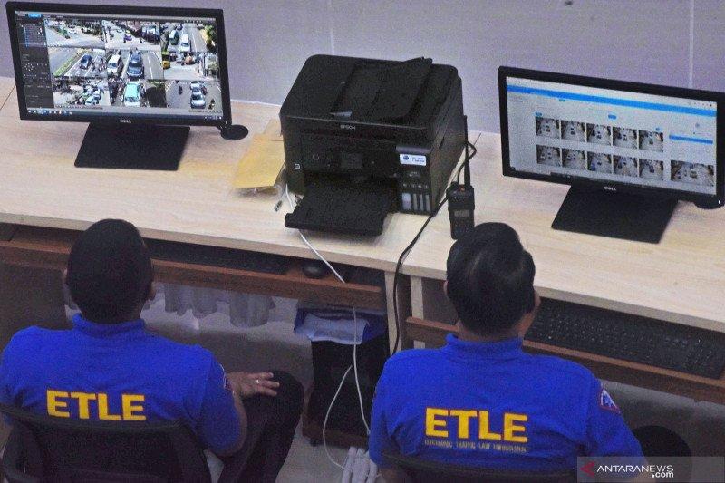 Pengoperasian CCTV pengawas lalu lintas di Banten