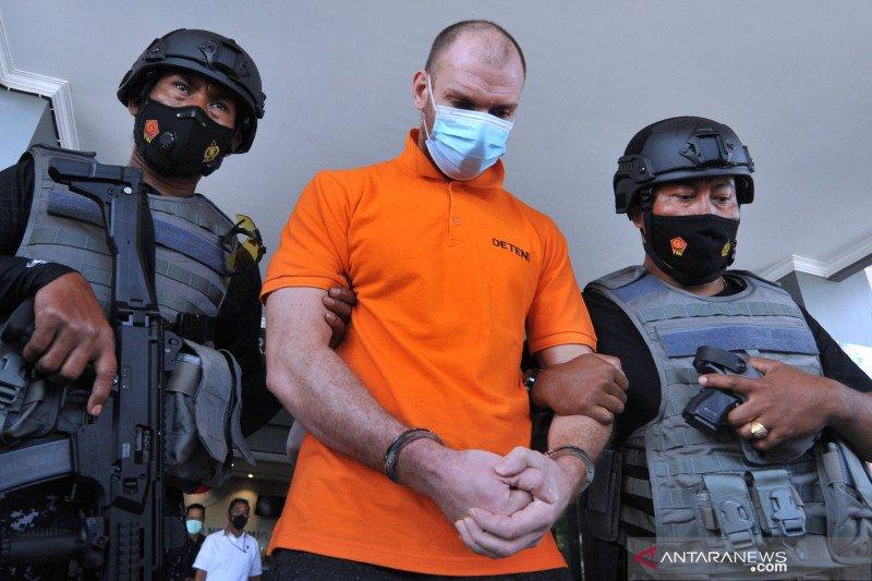 Buronan Interpol Rusia dideportasi dari Bali