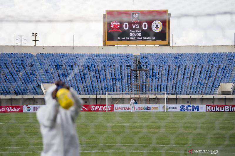 Penerapan protokol kesehatan ketat di Stadion Si Jalak Harupat