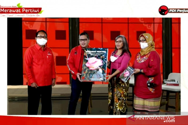 Hasto: Buku Megawati panduan kader PDIP peduli terhadap lingkungan