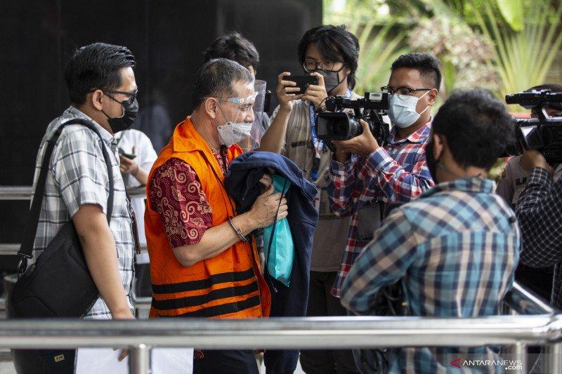 KPK periksa eks Wali Kota Cimahi terkait dugaan suap ke penyidik Robin