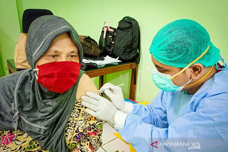 Lebih dari 13,47 juta orang Indonesia telah divaksinasi COVID-19