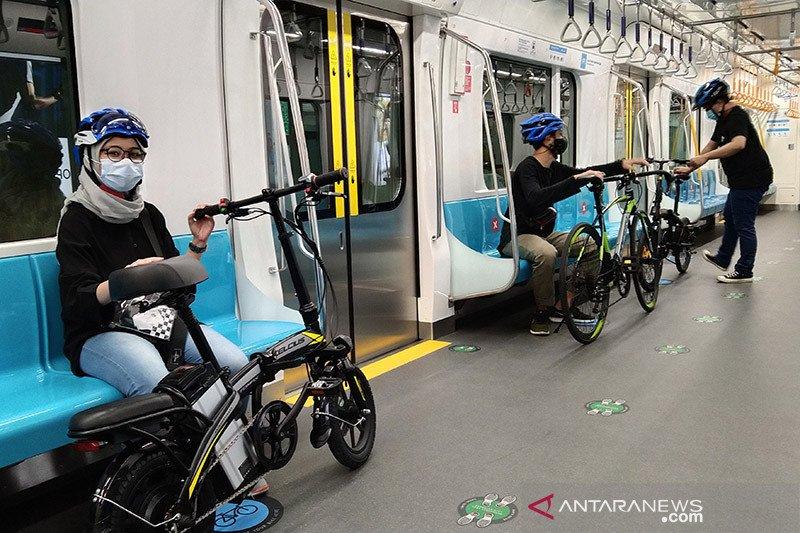 Warga Jakarta jajal fasilitas khusus sepeda nonlipat MRT