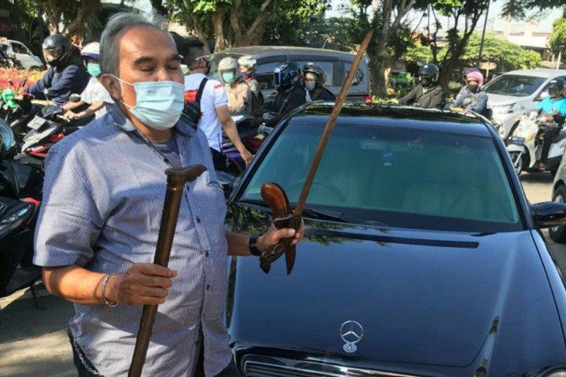 Bawa senjata tajam, polisi amankan sopir kuasa hukum Rizieq Shihab