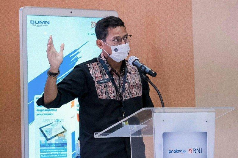 Menparekraf luncurkan Program Kartu Prakerja pelaku Parekraf di Toba