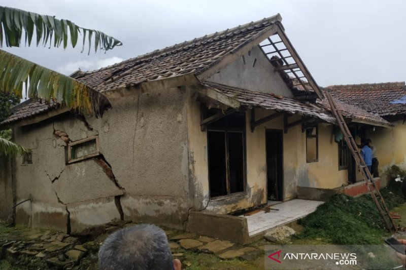 BPBD Garut: Delapan rumah rusak akibat pergerakan tanah di Pasirwangi