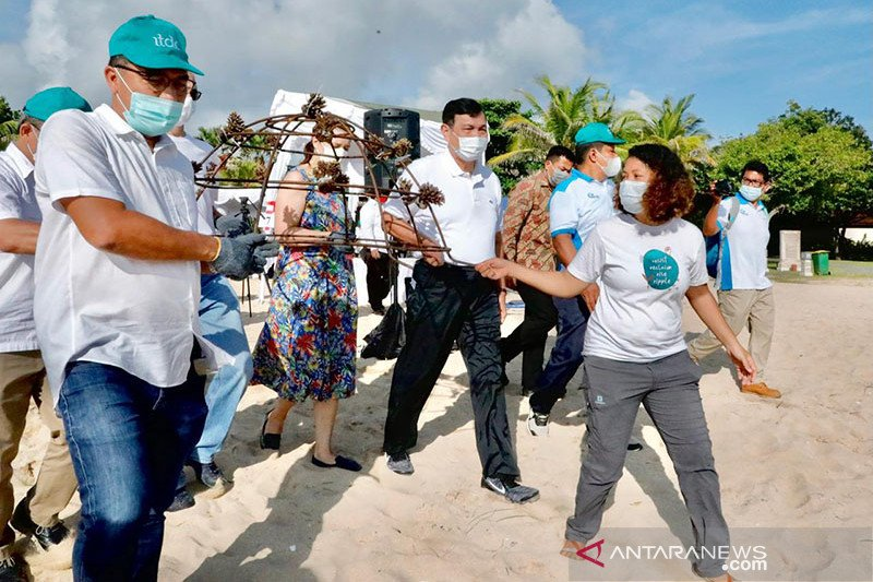 Ajak dubes transplantasi terumbu karang, Luhut promosi program PEN