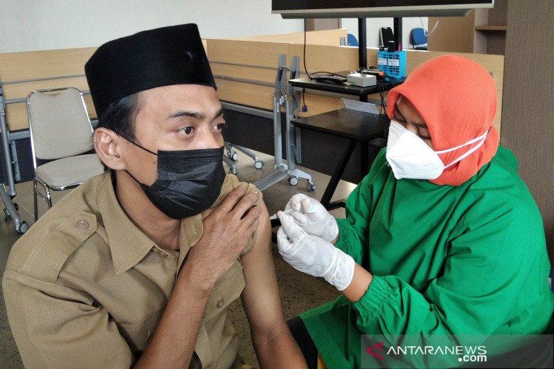 Epidemiolog: Tingkatkan cakupan vaksinasi antisipasi lonjakan kasus