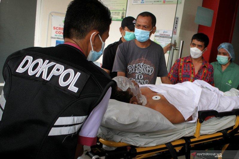 Plt Gubernur Sulsel serahkan bantuan korban bom Makassar