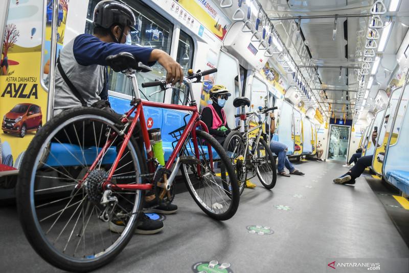 Sepeda non-lipat masuk gerbong MRT