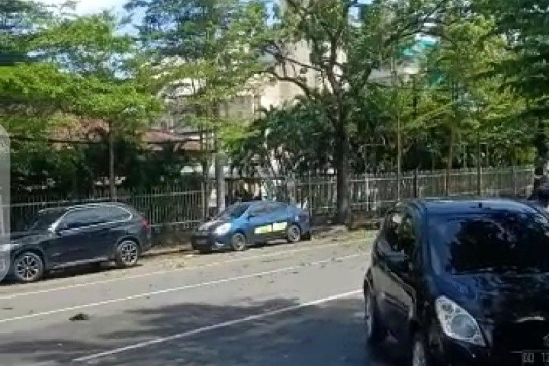 Ledakan diduga bom di Gereja Katedral Makassar