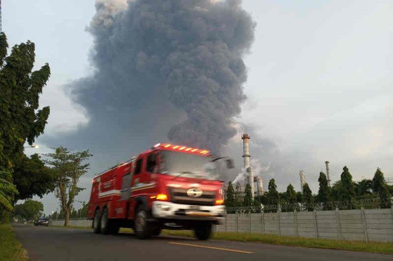 Ratusan mengungsi, empat luka bakar akibat kebakaran Kilang Balongan