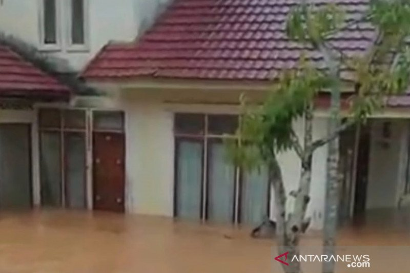 DLH sebut banjir di Bangkinang-Riau bukan karena penyumbatan sampah