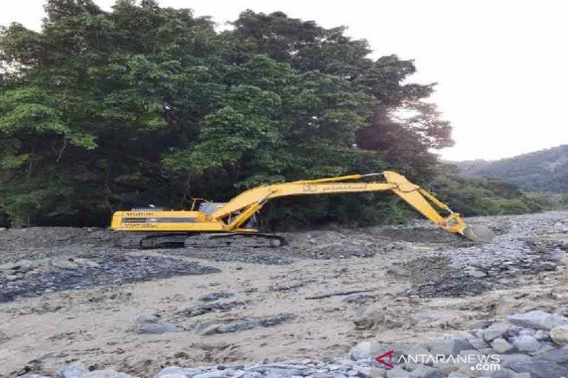 Pemkab Sigi terjunkan sejumlah alat berat bersihkan lumpur