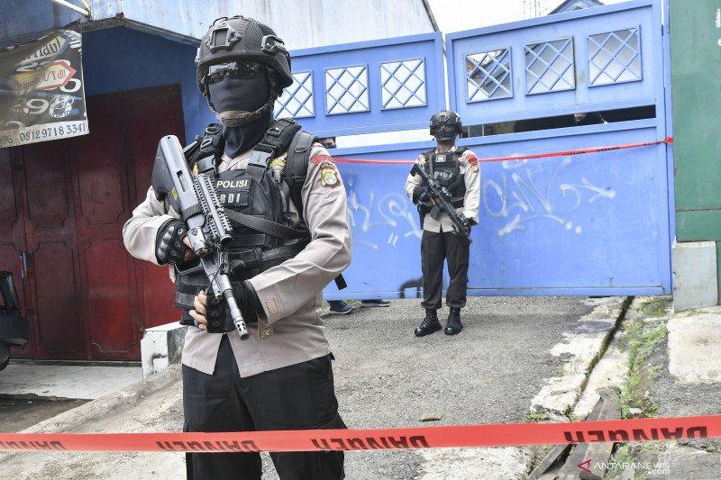 Penggeledahan rumah terduga teroris di Kabupaten Bekasi