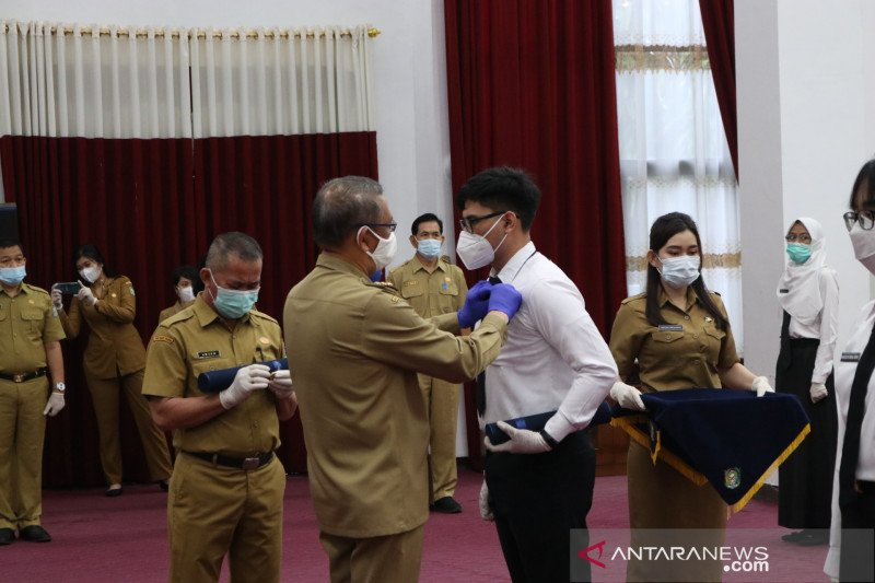 Gubernur Kalbar serahkan SK pengangkatan CPNS 28 lulusan PKN STAN