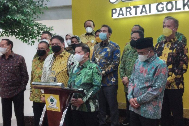 Kemarin, penertiban Partai Demokrat hingga Golkar-PPP banyak kesamaan
