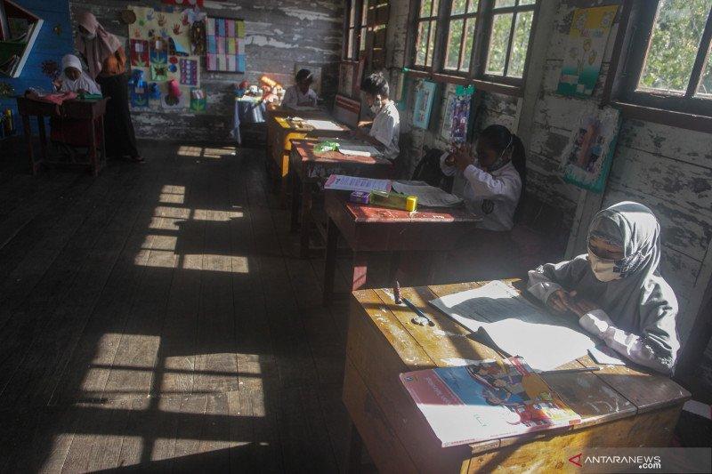 Guru Besar Paru UI tekankan perlu persiapan matang bila sekolah dibuka