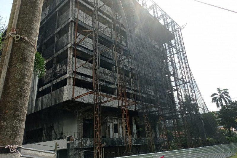 Kejagung bongkar gedung utama yang rusak terbakar